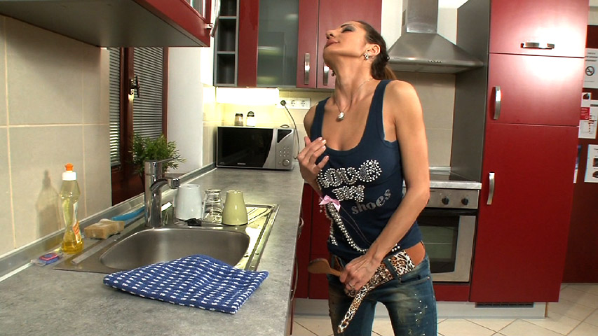 Alice Romain - Alice Romain Doing the Dishes and the Dirty