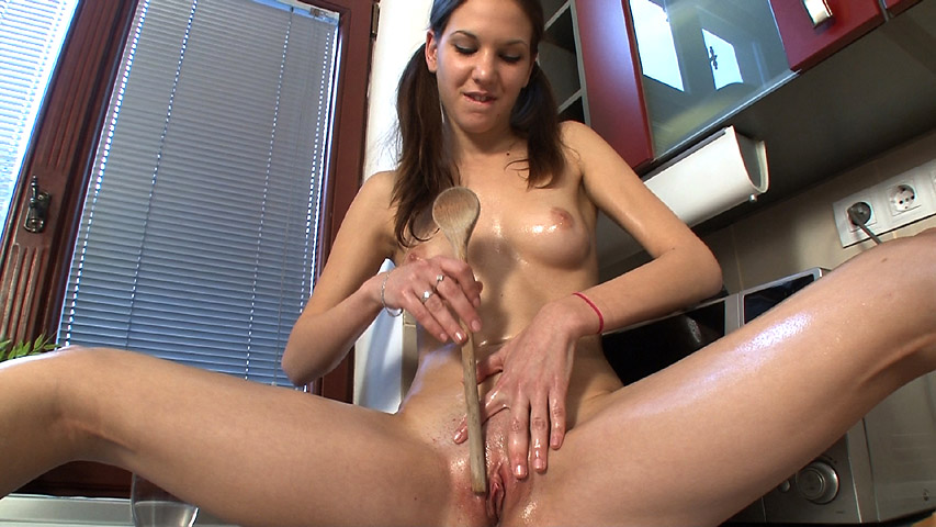 Candy Sweet - Candy Sweet Toys Spoon and Vibrator to Cum in Kitchen