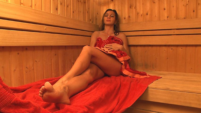 Alice Romain - Hot and Steamy Alice Romain Masturbation in Sauna